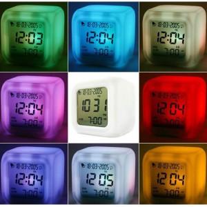 cube1, würfel uhr led farbwechsel, farbwechsel uhr, led uhr würfel