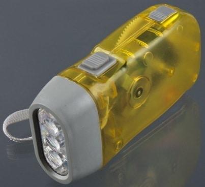 ohne batterien dynamo taschenlampe mit trageschlaufe farbwahl nur 1 23. Black Bedroom Furniture Sets. Home Design Ideas