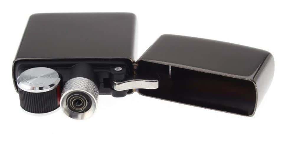 ein elektronisches feuerzeug mit akku in strumfeuerzeug optik. Black Bedroom Furniture Sets. Home Design Ideas