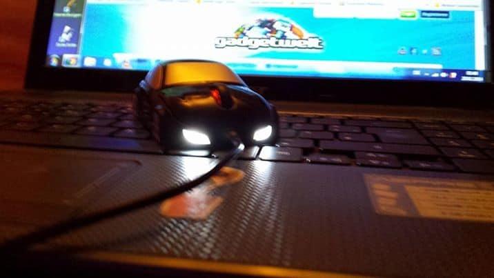 USB Maus im Auto Design mit LED Scheinwerfern für 4,05 Euro (gratis Versand)!