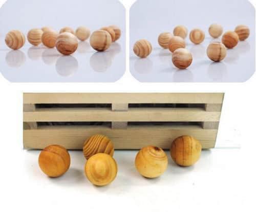 Mottenkugeln aus Holz im 10er Pack für 60 Cent!