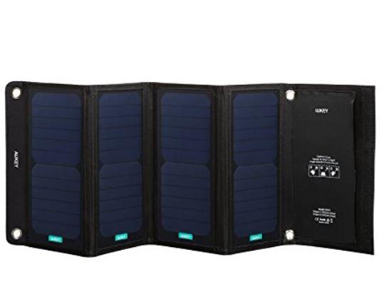 Aukey PB-P5 Solar Ladegerät mit 28 Watt bei Amazon dank Werbeaktion für nur 22,99 Euro inkl. Versand!