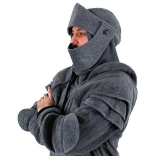 Der Pullover für Ritter! Hoodie-Ritterrüstung für 24,11 Euro im Flash Sale!