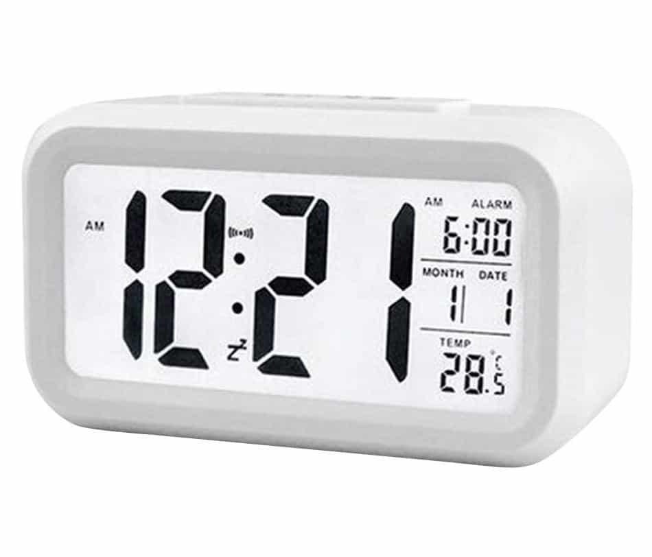 Kedelak digitaler Wecker mit Datums- und Temperaturanzeige für nur 6,99 Euro